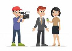 journalistes réalisant une interview